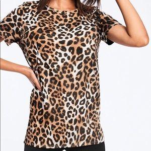 VS Pink Leopard CrewNeck Shirt